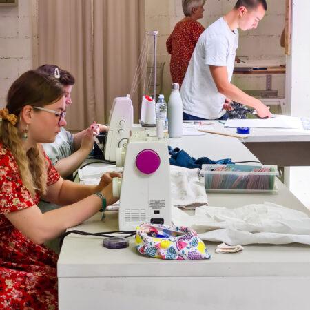 4 élèves de cours de couture à Verviers
