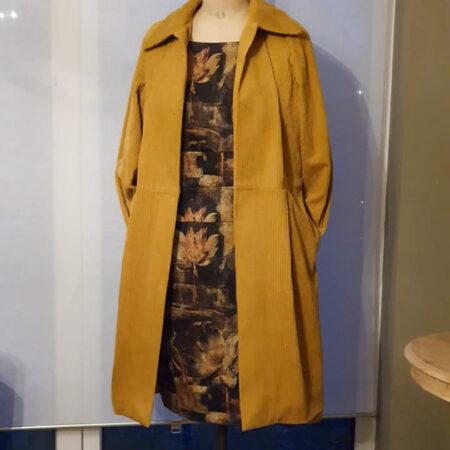 un Haut manteaux entièrement finie de cours de couture à la louviere