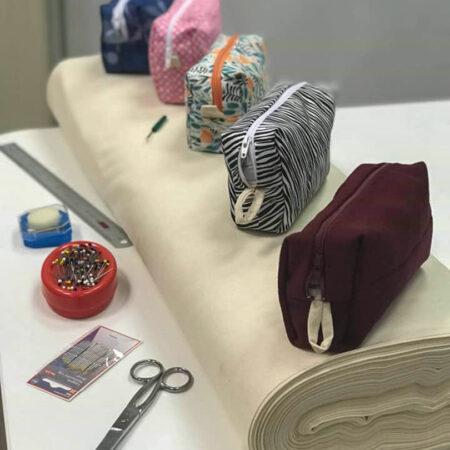 Trousse et autre matériaux de couture de cours de couture à la louviere