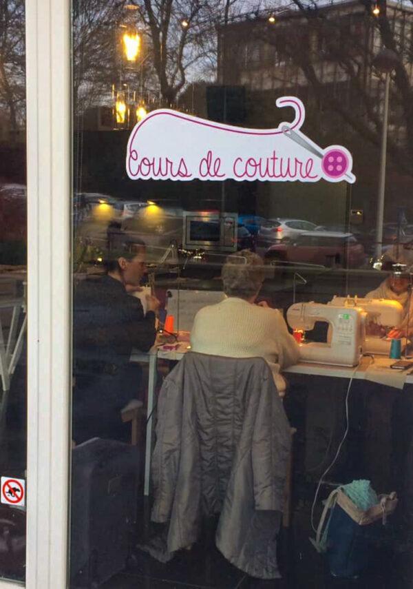 devanture de l'atelier de cours de couture à Liège