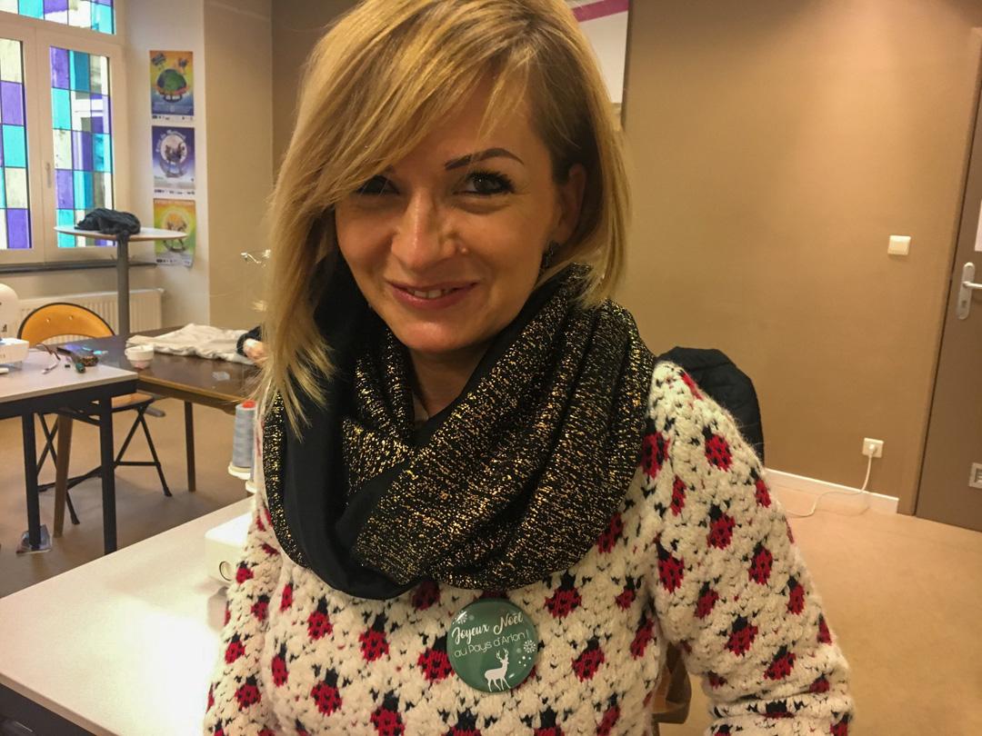 une écharpe cousue par une élève du Luxembourg
